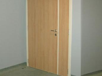 les portes nec chiusure produce porte per tutte le situazione in massima sicurezza. Black Bedroom Furniture Sets. Home Design Ideas